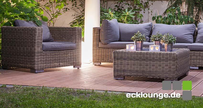 Luxus Ecklounge in Braun auf einer Terrasse mit Tisch
